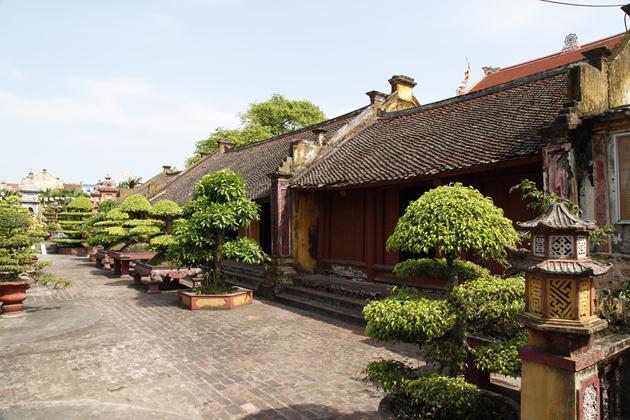 Một góc chùa Linh Quang