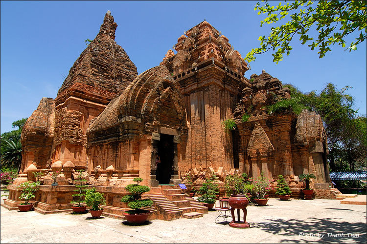 Tháp Bà Ponaga - Nha Trang